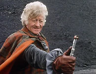 The Doctor (Jon Pertwee) uses the sonic screwdriver